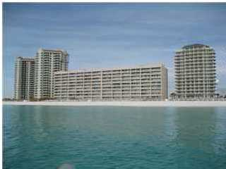 Four Conveniently Located Elevators Three Stairwells And Dual Porte Cochere Entrances Allow For Easy Access Navarre Beach With Its Emerald Green Waters